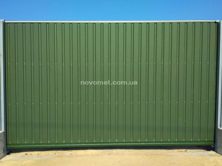 Откатные ворота с профнастила, размер 4500(ш)*2300(в)