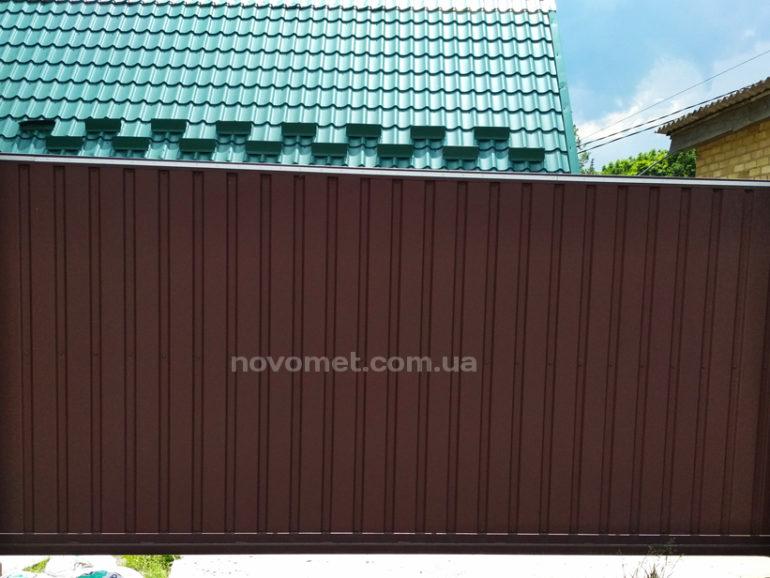 Откатные ворота с профнастила, размер ворот - 4000(ш)*1950(в)